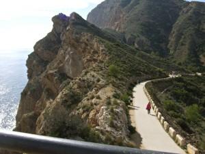 пеший маршрут к маяку в Альбире